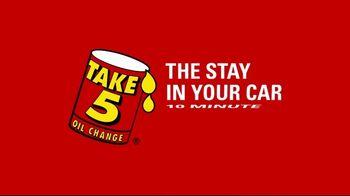 Take 5 Oil Change TV Spot, 'Eyebrows' - Thumbnail 8