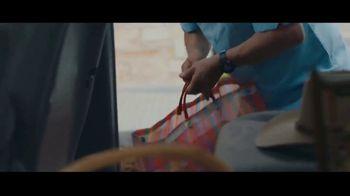 Motel 6 TV Spot, 'We'll Leave the Light On for Abuela & Tito' - Thumbnail 3