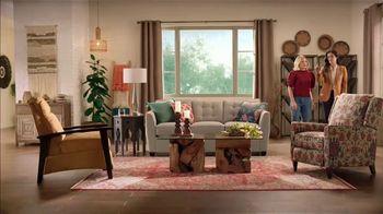 La-Z-Boy 4 Day Sale TV Spot, 'Magic' Featuring Kristen Bell - Thumbnail 7
