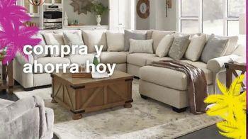 Ashley HomeStore Swing Into Summer Sale! TV Spot, 'Estilos de verano' [Spanish] - Thumbnail 5