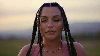 H&M TV Spot, 'Paloma Elsesser's Summer in H&M Swimwear' Feat. Bintou Sillah, Nouri Hassan, Song by Fousheé - Thumbnail 2