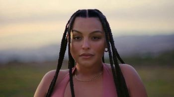 H&M TV Spot, 'Paloma Elsesser's Summer in H&M Swimwear' Feat. Bintou Sillah, Nouri Hassan, Song by Fousheé - Thumbnail 3