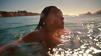 H&M TV Spot, 'Paloma Elsesser's Summer in H&M Swimwear' Feat. Bintou Sillah, Nouri Hassan, Song by Fousheé - Thumbnail 8