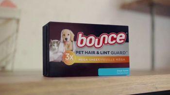 Bounce Pet Hair & Lint Guard TV Spot, 'Pets Are Gonna Shed' - Thumbnail 4
