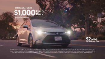 Toyota TV Spot, 'Hybrid Balance' [T2] - Thumbnail 4