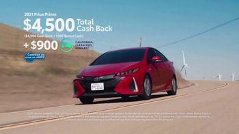 Toyota TV Spot, 'Hybrid Balance' [T2] - Thumbnail 5