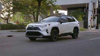Toyota TV Spot, 'Hybrid Balance' [T2] - Thumbnail 7
