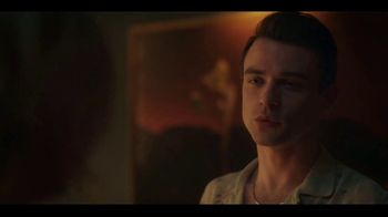 HBO Max TV Spot, 'Gossip Girl' Song by Frank Ocean Feat. Earl Sweatshirt - Thumbnail 9