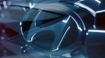 2022 Hyundai Tucson TV Spot, 'Question Everything: We Did' Song by Zayde Wølf [T1] - Thumbnail 8