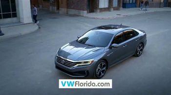 Volkswagen Memorial Day Sale TV Spot, 'Kickoff to Summer: Tiguan' [T2] - Thumbnail 10