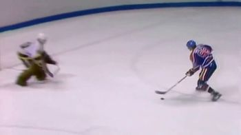 MasterClass TV Spot, 'Wayne Gretzky Teaches the Athlete's Mindset' - Thumbnail 4
