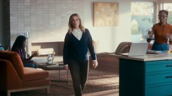 XFINITY TV Spot, 'The Bennetts Get to Work: $19.99' Featuring Amy Poehler - Thumbnail 2