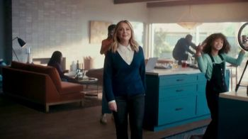 XFINITY TV Spot, 'The Bennetts Get to Work: $19.99' Featuring Amy Poehler - Thumbnail 4