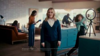 XFINITY TV Spot, 'The Bennetts Get to Work: $19.99' Featuring Amy Poehler - Thumbnail 6