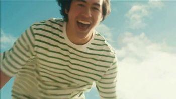 Starbucks Kiwi Starfruit Refresher TV Spot, 'Happy Place: Beach' Song by Julietta - Thumbnail 6