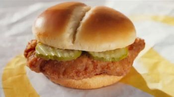 McDonald's Crispy Chicken Sandwich Combo TV Spot, 'Crispy, Juicy, Tender' Song by Tay Keith - Thumbnail 1