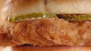 McDonald's Crispy Chicken Sandwich Combo TV Spot, 'Crispy, Juicy, Tender' Song by Tay Keith - Thumbnail 4