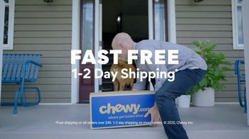 Chewy.com TV Spot, 'Pharmacy and the Walk'