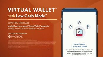 PNC Bank Virtual Wallet TV Spot, 'VR Goggles: Low Cash Mode' - Thumbnail 10