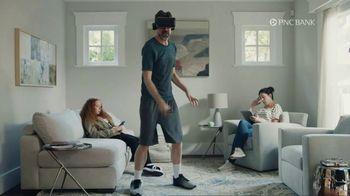 PNC Bank Virtual Wallet TV Spot, 'VR Goggles: Low Cash Mode' - Thumbnail 4
