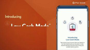 PNC Bank Virtual Wallet TV Spot, 'VR Goggles: Low Cash Mode' - Thumbnail 7