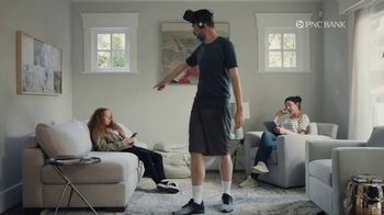 PNC Bank Virtual Wallet TV Spot, 'VR Goggles: Low Cash Mode' - Thumbnail 9