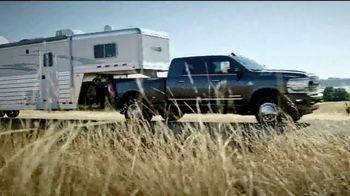 Ram Trucks Cuatro de Julio Evento de Ventas TV Spot, 'Tres veces' canción de Foo Fighters [Spanish] [T2]