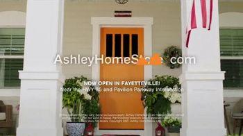Ashley HomeStore Stars + Stripes Mattress Sale TV Spot, 'Save Up to $800' - Thumbnail 6