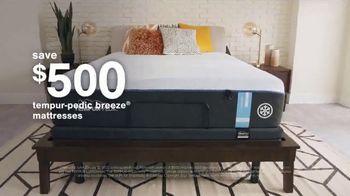 Ashley HomeStore Stars + Stripes Mattress Sale TV Spot, 'Save Up to $800' - Thumbnail 3