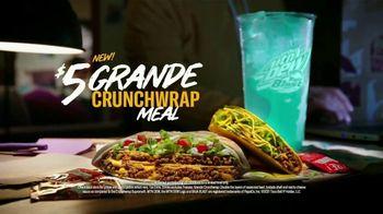 Taco Bell $5 Grande Crunchwrap Meal TV Spot, 'It Better Be Grande' - Thumbnail 6