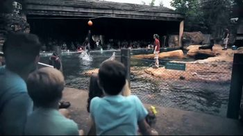 Tennessee Vacation TV Spot, 'The Laugh Tracker' - Thumbnail 6