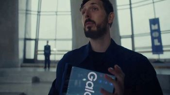 Samsung Galaxy Book TV Spot, 'Museum of Laptops' - Thumbnail 4