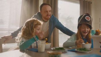 Kraft Macaroni & Cheese TV Spot, 'Sibling Takeover' Song by Enya