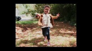 Airbnb TV Spot, 'Made Possible by Hosts: Song 2' - Thumbnail 8