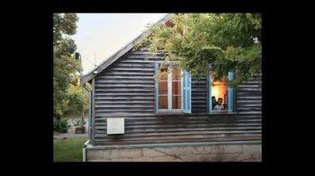 Airbnb TV Spot, 'Made Possible by Hosts: Song 2' - Thumbnail 9
