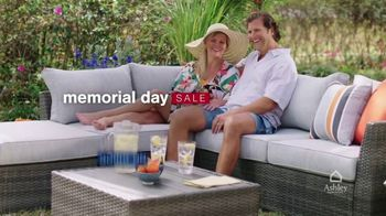 Ashley HomeStore Memorial Day Sale TV Spot, 'Up to 30% Off' - Thumbnail 3