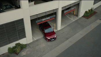 2021 Nissan Altima TV Spot, 'Estacionamiento' canción de John Rowcroft, Tarek Modi [Spanish] [T2] - Thumbnail 5