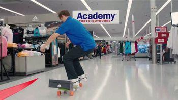 Academy Sports + Outdoors TV Spot, 'Don't Miss Kickoff' - Thumbnail 6