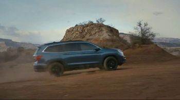Honda TV Spot, 'Every Road Has Its Challenges: Passport, Pilot, CR-V' Song by Vampire Weekend [T1] - Thumbnail 5