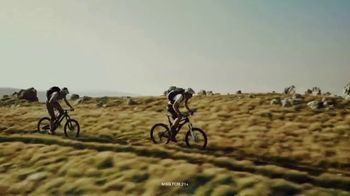 Michelob ULTRA Pure Gold Board Your Gear Sweepstakes TV Spot, 'This Summer, Your Gear Flies on Us' - Thumbnail 2