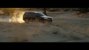 Jeep TV Spot, 'Make This the Summer: Discover' Song by Imagine Dragons [T1] - Thumbnail 3