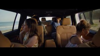 Jeep TV Spot, 'Make This the Summer: Discover' Song by Imagine Dragons [T1] - Thumbnail 4