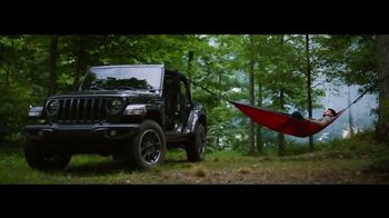 Jeep TV Spot, 'Make This the Summer: Discover' Song by Imagine Dragons [T1] - Thumbnail 5