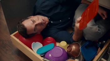Veterans United Home Loans TV Spot, 'Finding the Plastic Container Lid' Featuring Rob Riggle