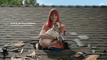Veterans United Home Loans TV Spot, 'Through the Roof Reviews with Rob Riggle and Ariel' - Thumbnail 3
