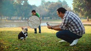 Cricket Wireless TV Spot, 'Esteban: Moto G Play' [Spanish] - Thumbnail 4