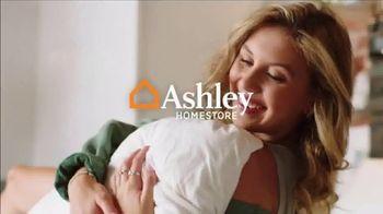 Ashley HomeStore Stars + Stripes Mattress Sale TV Spot, 'Extended: 0% Interest and Rewards Card' - Thumbnail 1