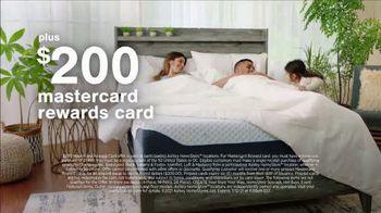 Ashley HomeStore Stars + Stripes Mattress Sale TV Spot, 'Extended: 0% Interest and Rewards Card' - Thumbnail 6