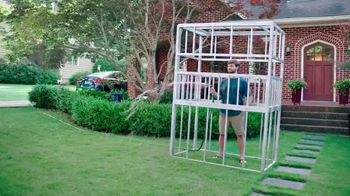 GEICO TV Spot, 'Discovery Channel: Shark Week: Get Yourself a Cage' - Thumbnail 4