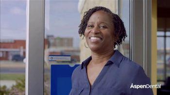 Aspen Dental Everyday Smiles Event TV Spot, 'Start the Year Smiling: 30% Off' - Thumbnail 6